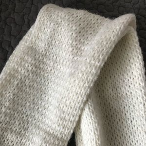 Hollister White Infinity Scarf